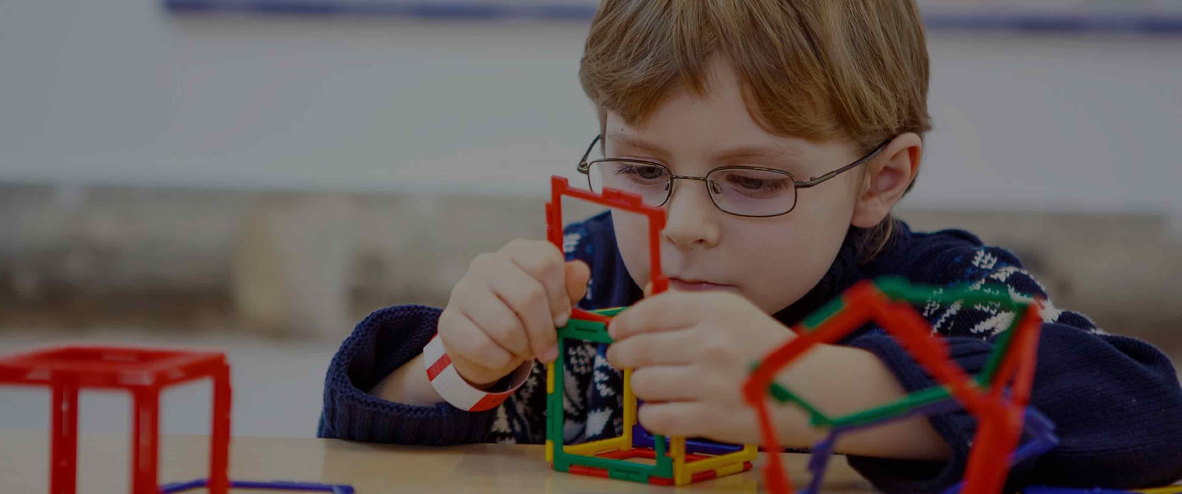 کاردرمانی در منزل برای کودکان اوتیسم